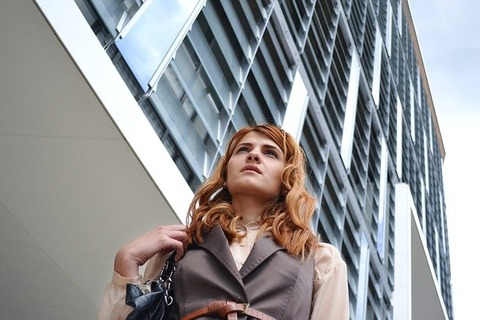 business-woman-portrait-1997285_640