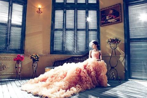 wedding-dresses-1486004__340