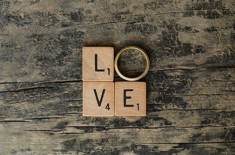 love-2749044_640