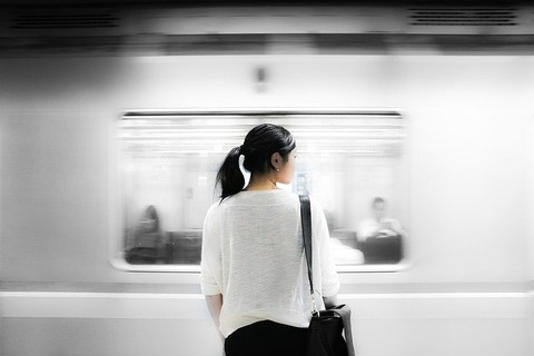 train-station-863337_640