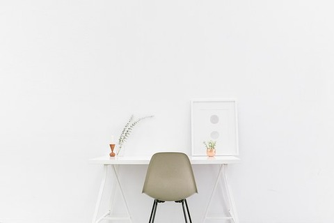 desk-1081708__340