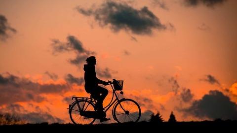 silhouette-683751__340