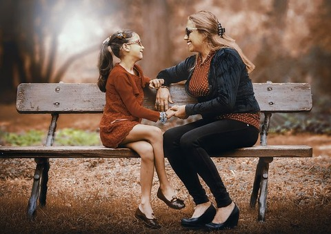 mother-and-daughter-3281388__480