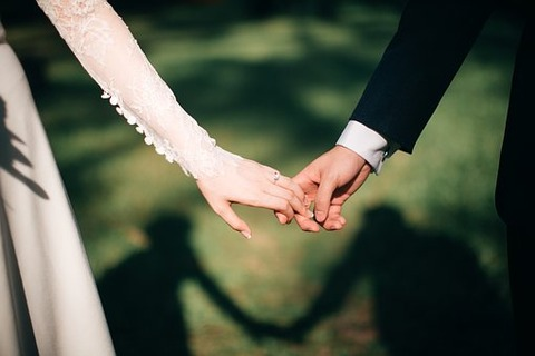 weddings-3225110__340