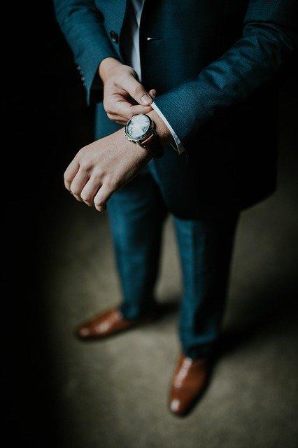 【悲報】30歳無職、上下6000円のスーツで就職活動した結果wwwwwwwwwwwwwwwwww