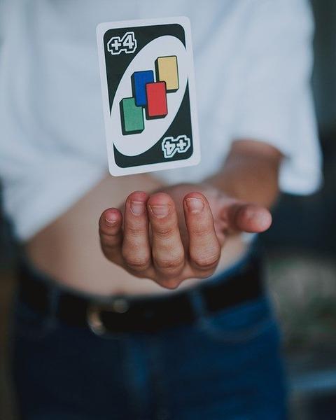 uno-card-4353456_640