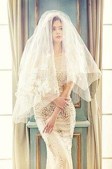 wedding-dresses-1486242__340