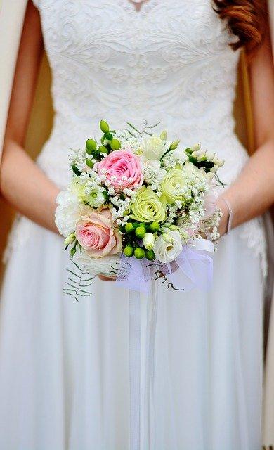 bridal-bouquet-3323903_640