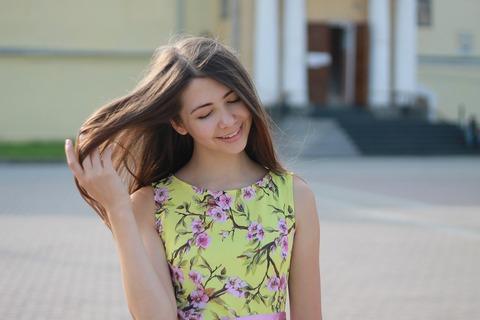 girl-2973626_1280