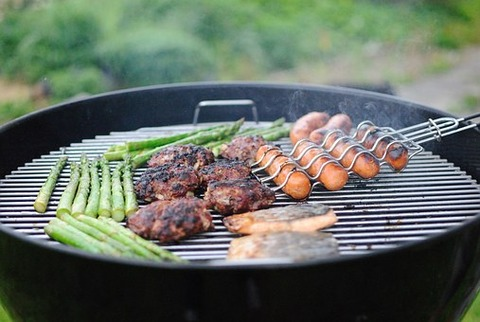 grilling-1081675__340