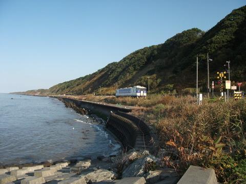 【北海道】日高線、来年3月廃止へ 7町、JRと来月合意方針  2015年1月から不通のまま