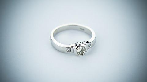 engagement-ring-2093824__340