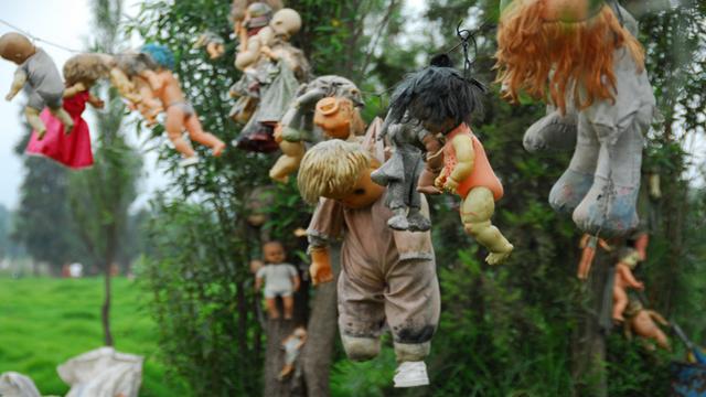人形の島 呪い