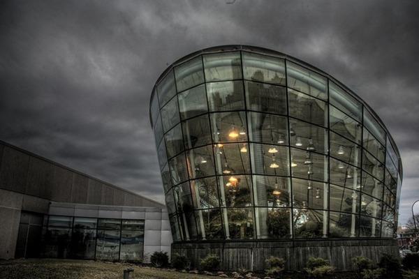 世界の変わった建物30