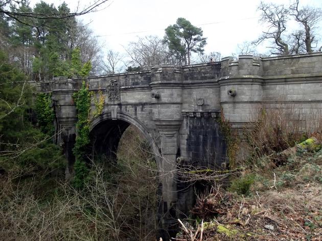 オーヴァートン橋 心霊スポット