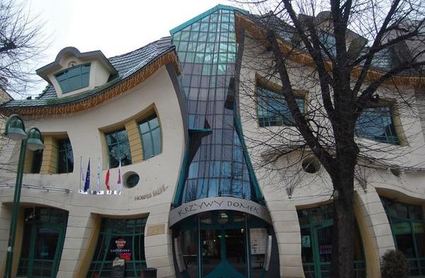 世界の変わった建物4