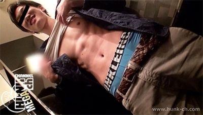 【ゲイ動画gayporn】プルプル唇男子の腹筋ボディはエロくて爽やか!! イマドキノンケをビデボに連れ込む3