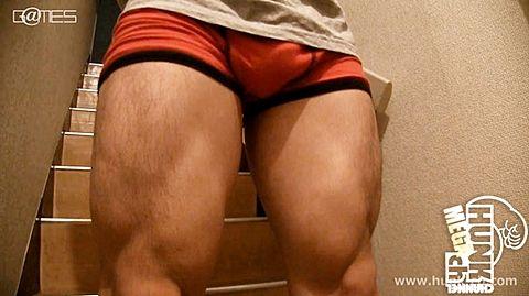 【gaypornゲイ動画】スペードスケート選手?太股ゴツイしケツもプリンと盛り上がる! 170cm63kg21歳、進(すすむ)くん鍛えあげられた太ももにビックリ!!