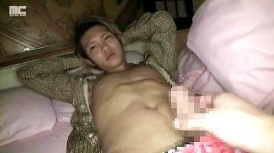 【ゲイ動画gaypornMR】起きてすぐアナル犯される!ノンケには気持ちよすぎたらしい・・ どノンケ豪が、夜這いされてハメ撮りSEX!!