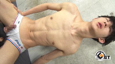 【MR】色白キラキラの18歳美少年が大量噴射対決!-1