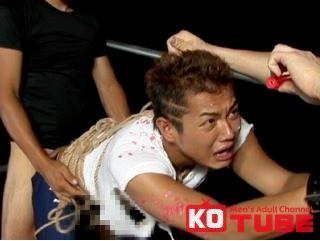 【ゲイ動画gaypornKO】頭にライン入れたゴツイ男子が調教で泣きそうに・・・ 縛り上げられた伊川貴洋が鞭と蝋燭で責められ性奴隷に堕とされる!!