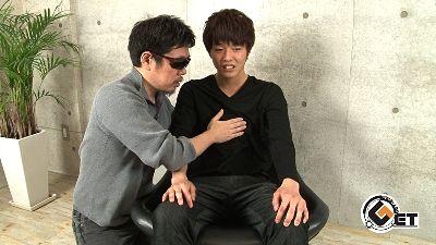 【gaypornゲイ動画MR】東京怖えぇ!地方出身男子が18歳で男に汚される・・・ 田舎から上京してきたノンケの新大学1年生を面接でいきなり丸裸に!