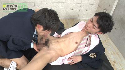 【Men's Rush】色白スリムな学生クンの生穴にデカマラがズブリ♂-1