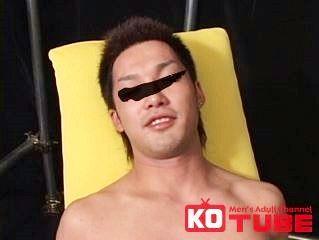 【ゲイ動画gaypornKO】男前のスポーツ選手が初体験の快感! イケメンスポーツマン、男に責められ雄汁飛ばす!!