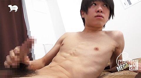 まさかの21センチ!19才水泳少年がお化け巨根でブッ放しオナニー!!