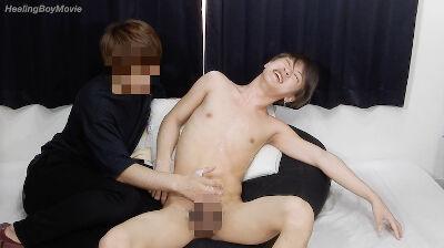 【Men's Rush】19歳の今風イケメンが男にフェラされ悶絶!-1