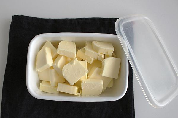 バターを使いやすいサイズにカットして保存する・道具を増やさない!使う時が楽する保存方法