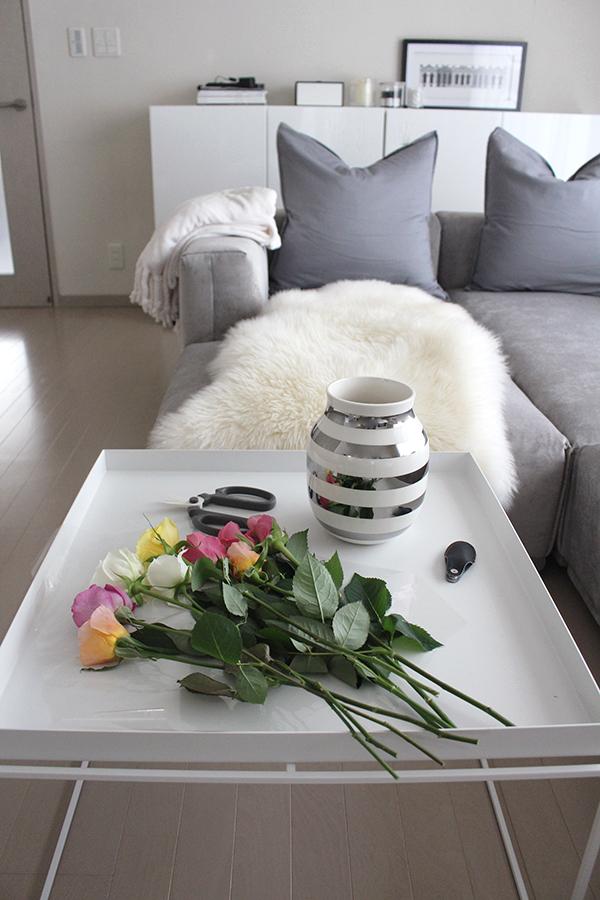楽天お買い物マラソンで買ったもの・ケーラーの白い花瓶『ハンマースホイ』とテーブルをオシャレにする新作の黒いカッティングボード
