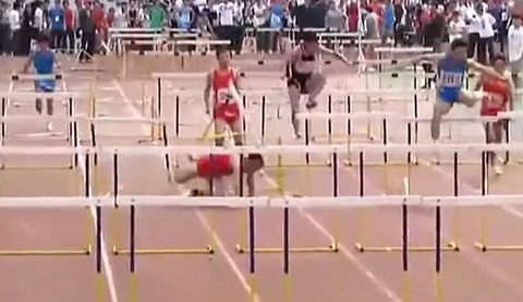 chinese-hurdler-destroys-everything-in-his-path