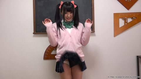 企_スカートめくり-(8)-049