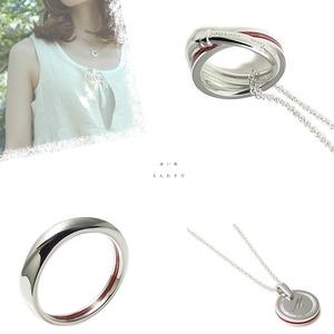 赤い糸入りネックレスやリング