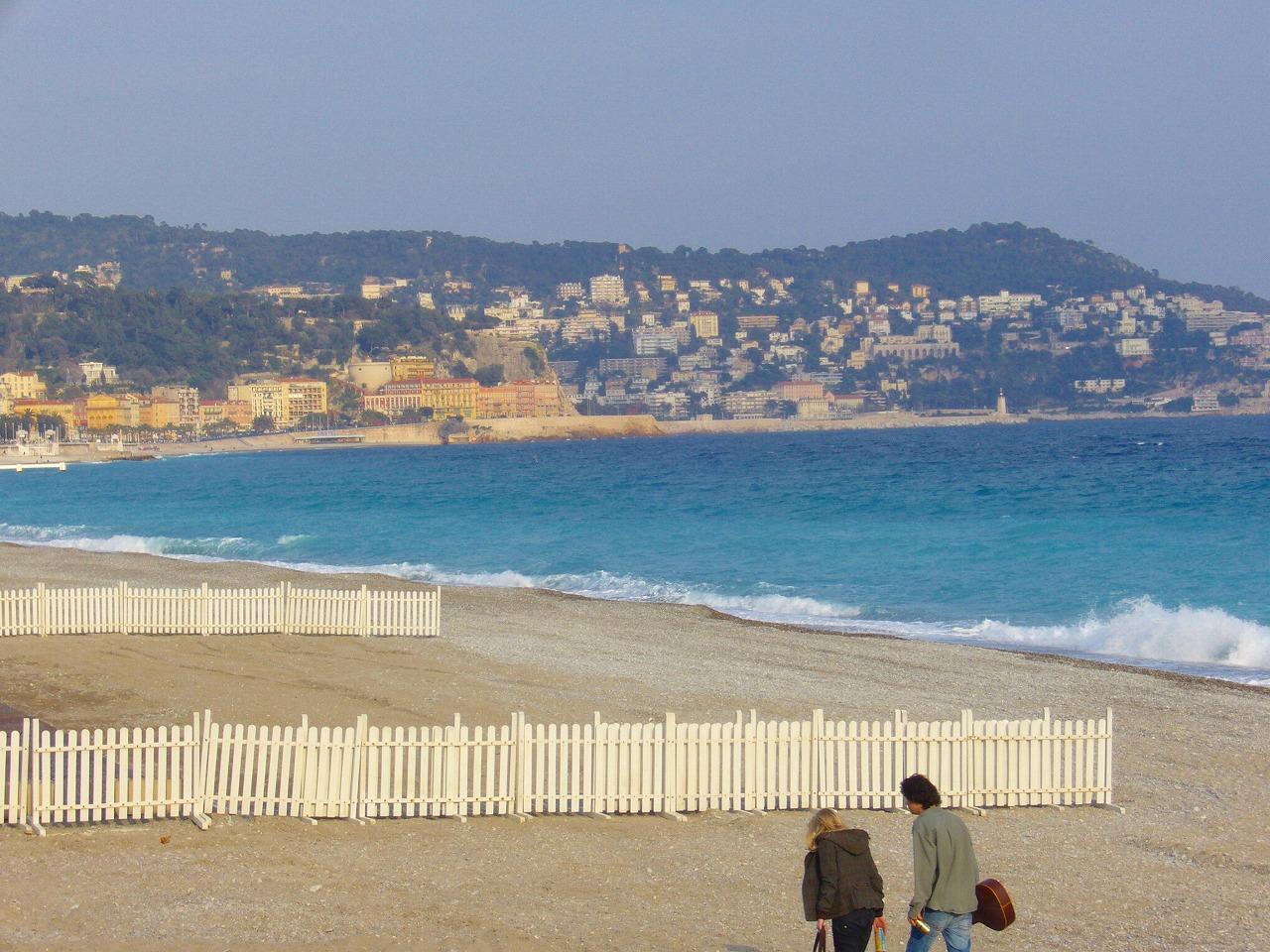 ニースの浜辺