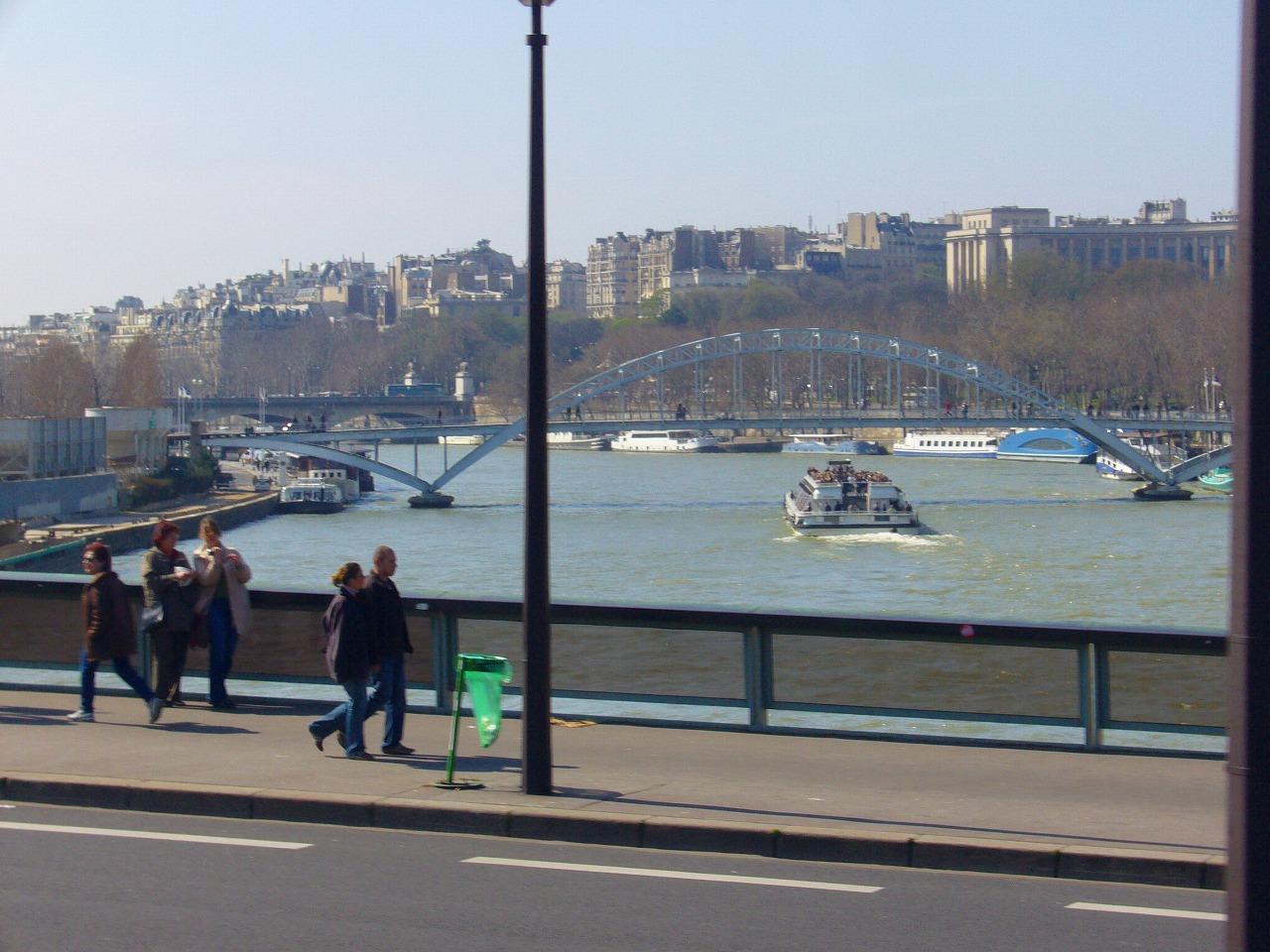 セーヌ川のほとり