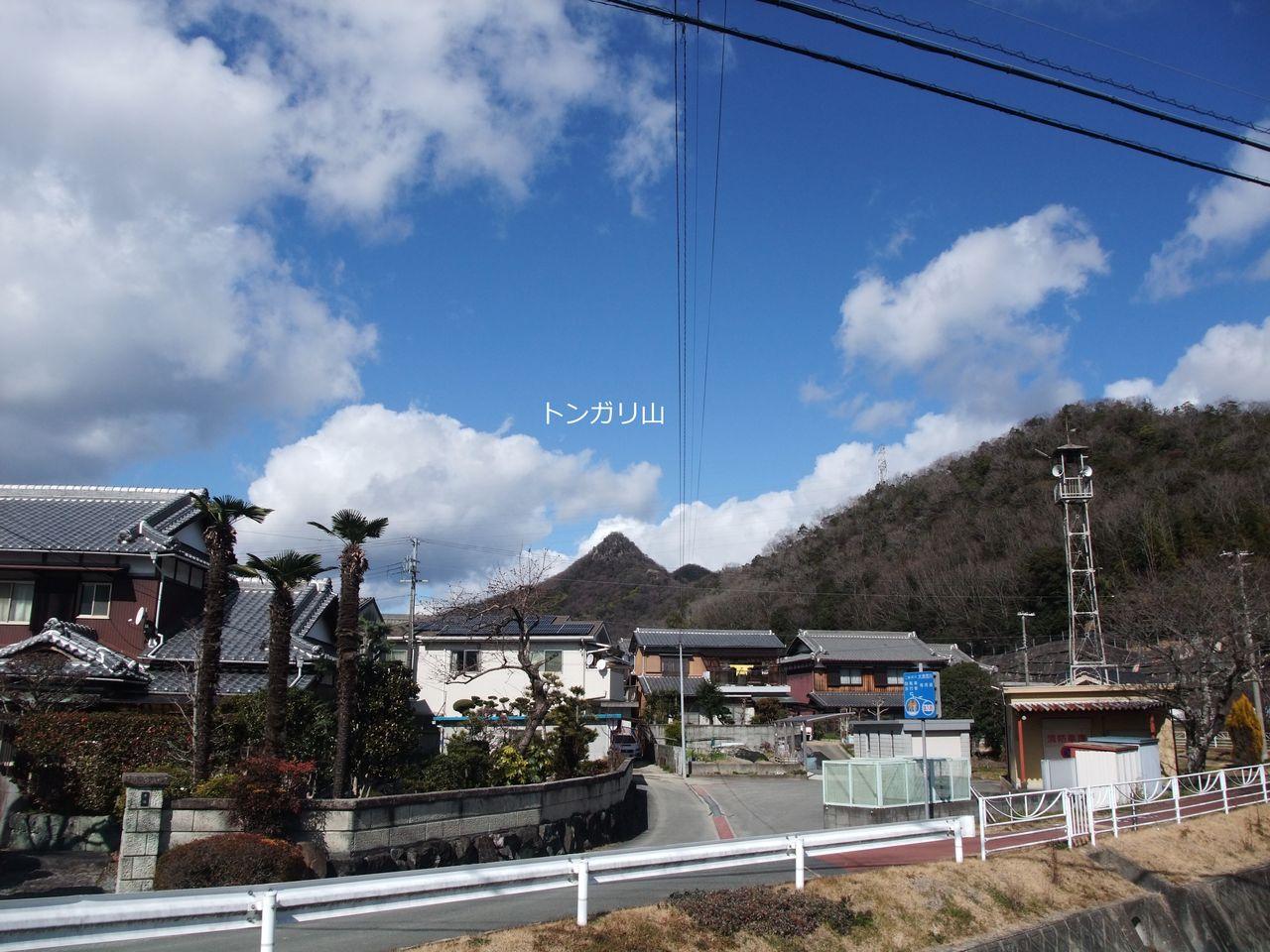 石倉 トンガリ山