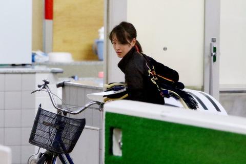 【競馬】菜七子が自転車に乗ってた件