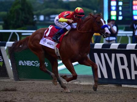 無敗の米三冠馬「ジャスティファイ」が左前脚球節故障で現役引退