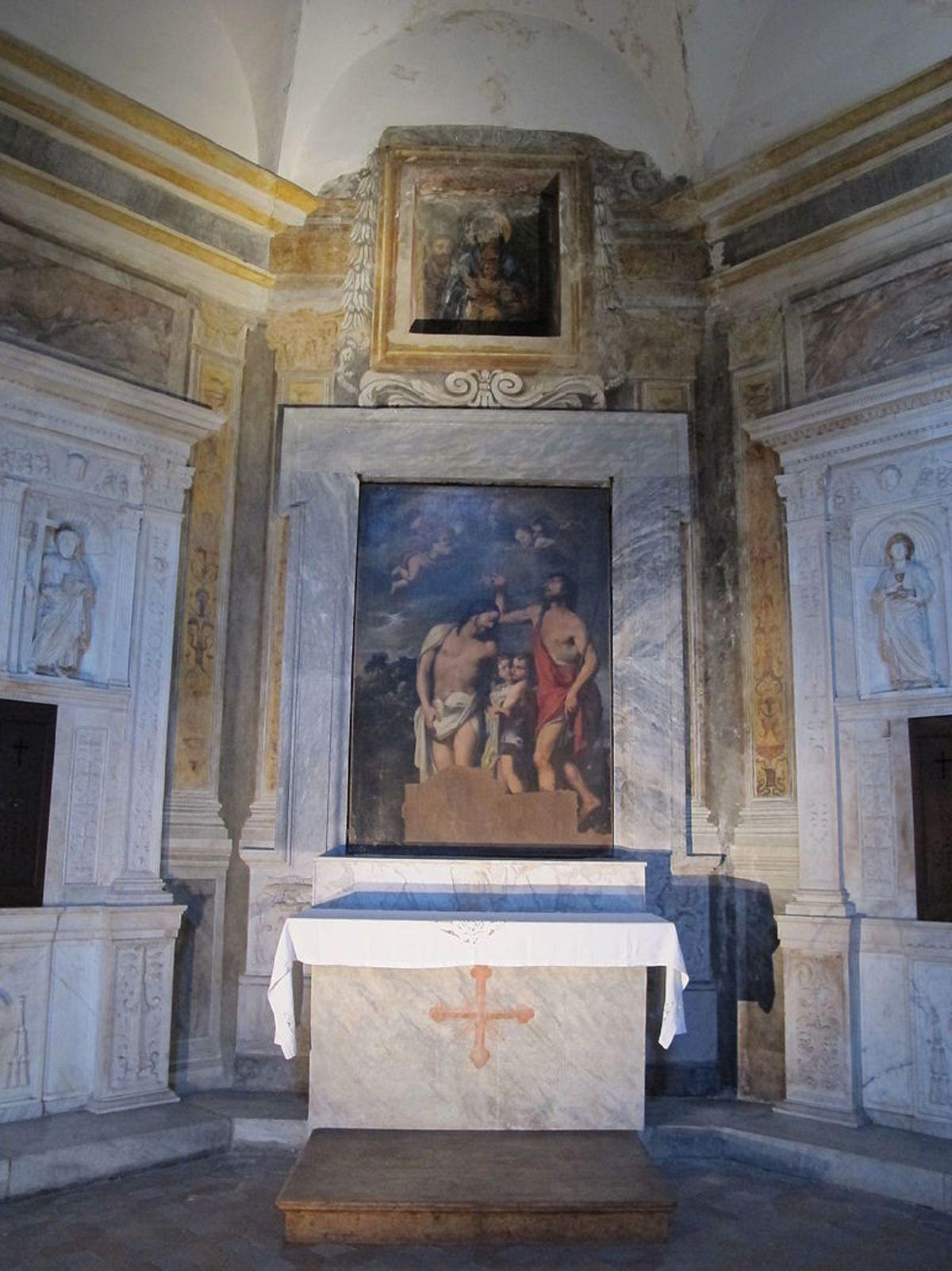 800px-Cappella_montermirabile,_altare