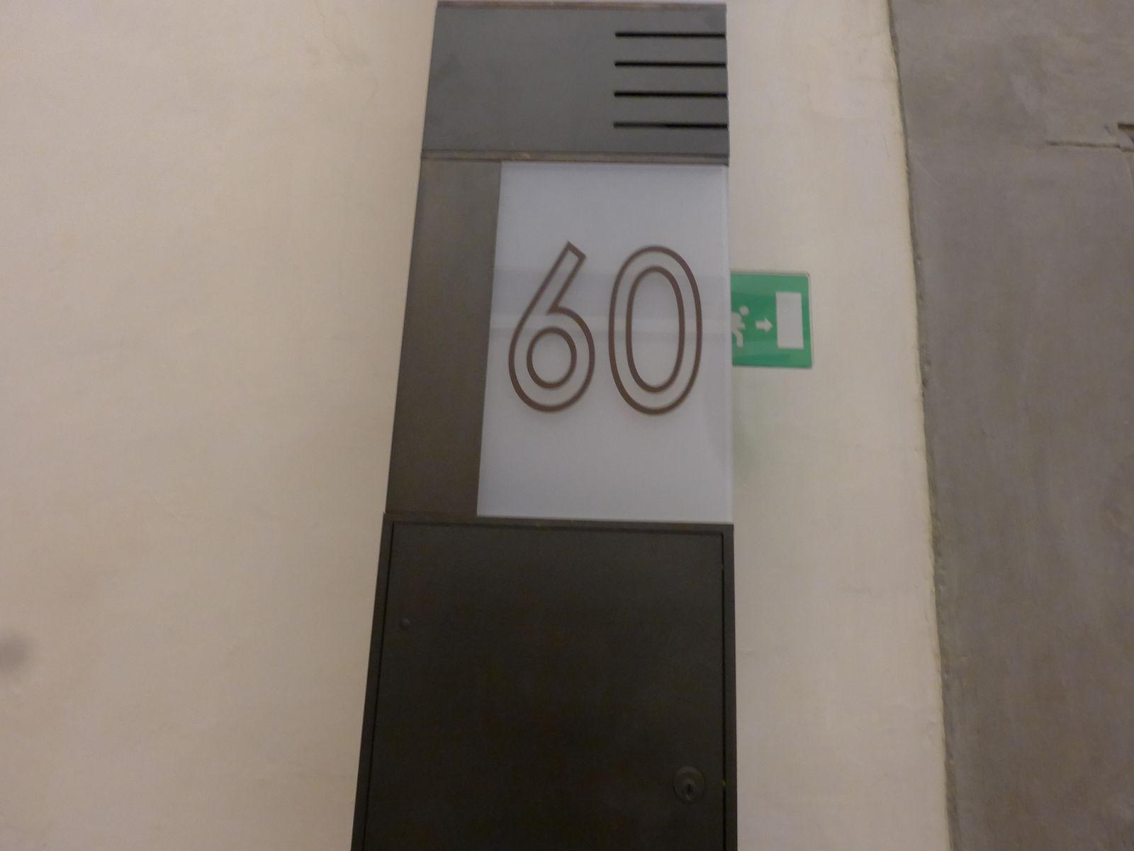P2840818