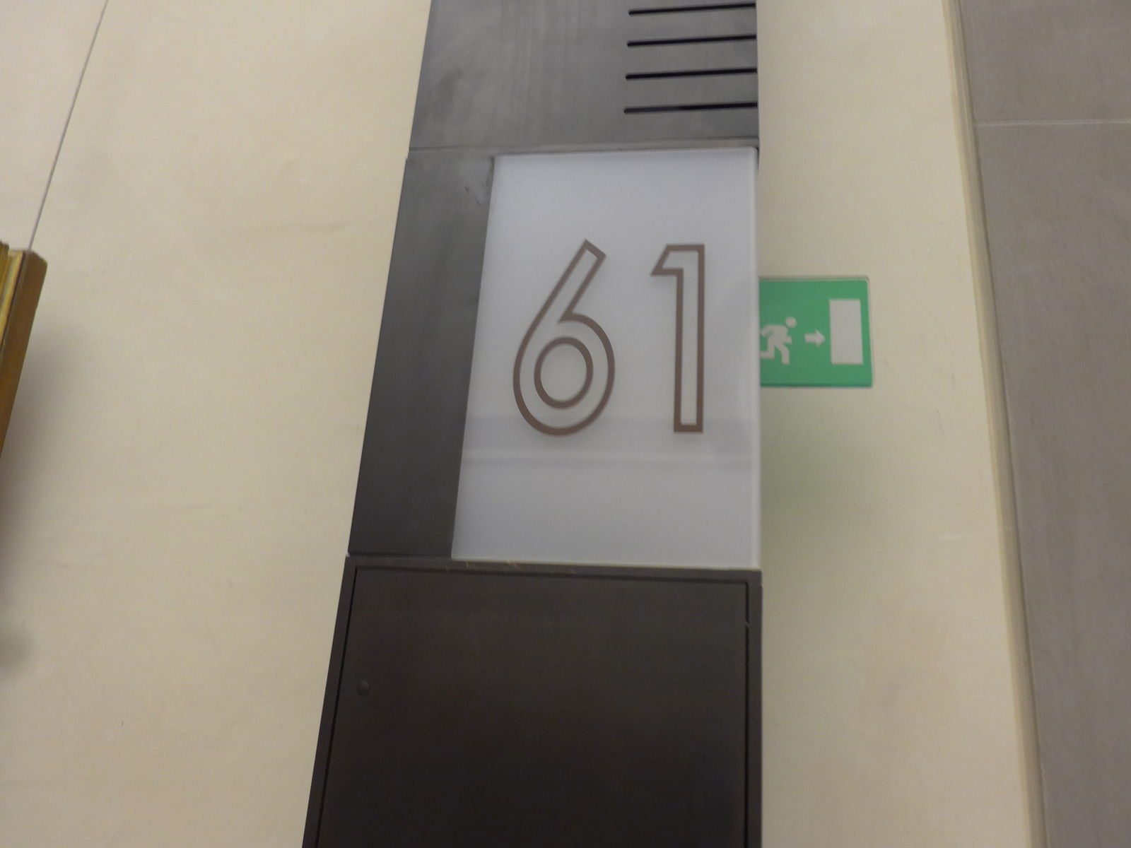 P2840842
