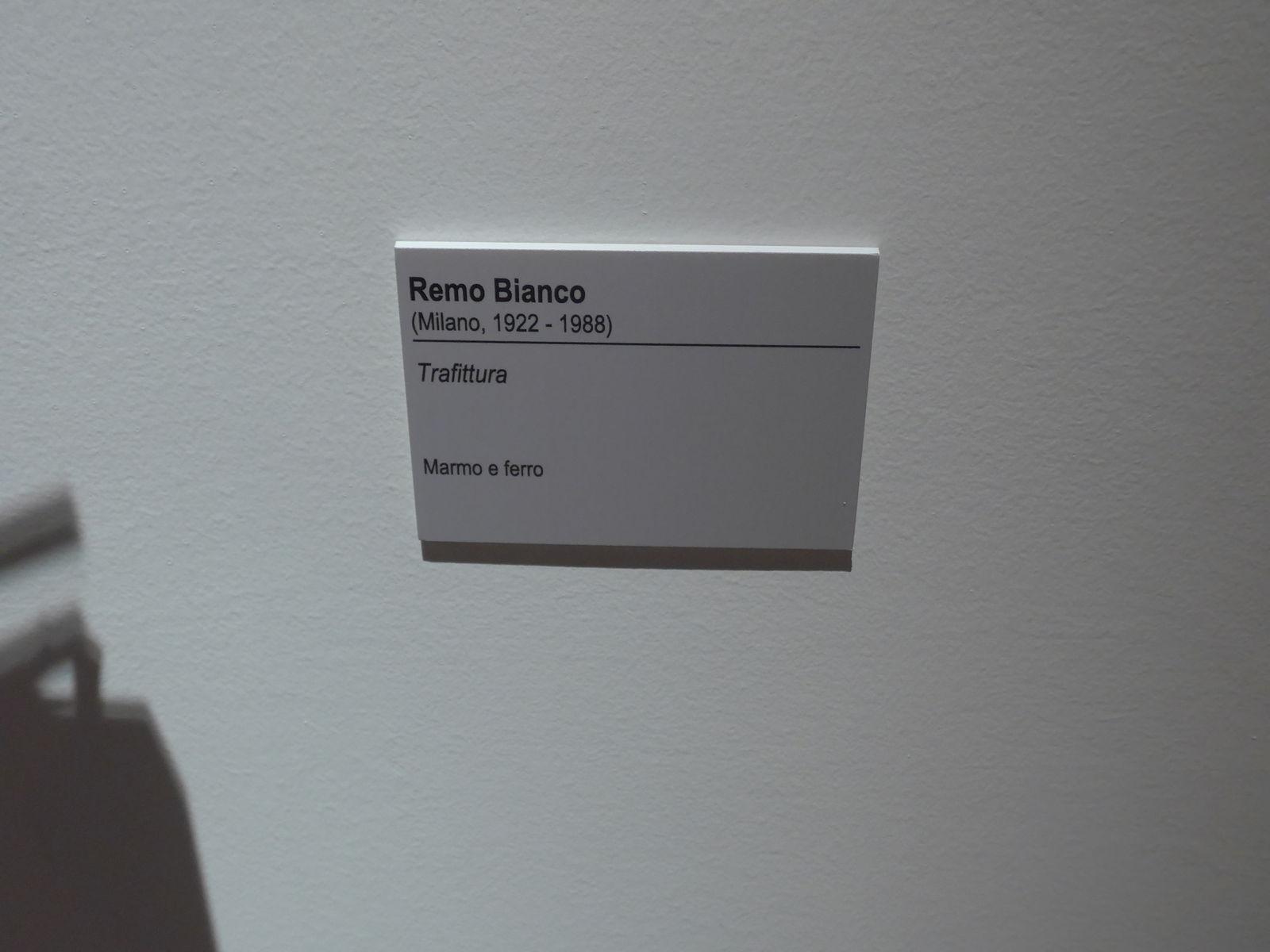 P2380595