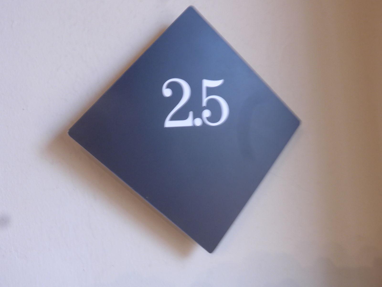 P2730444