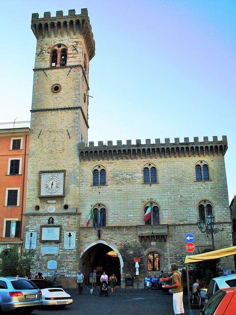 Palazzo_Comune_Arcevia