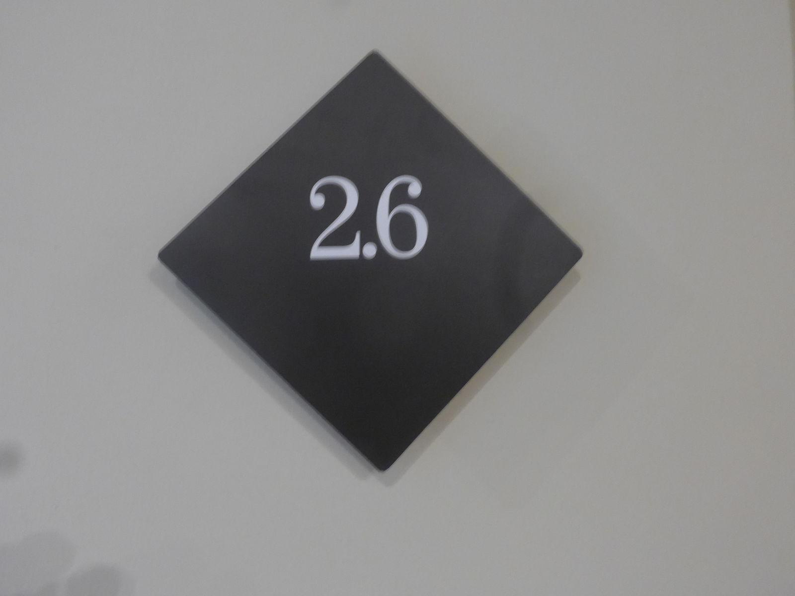 P2730483