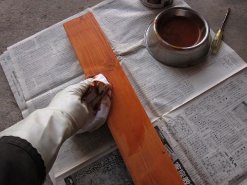 2013年03月26日(火)・・・ベンチテーブル、2度塗り完了