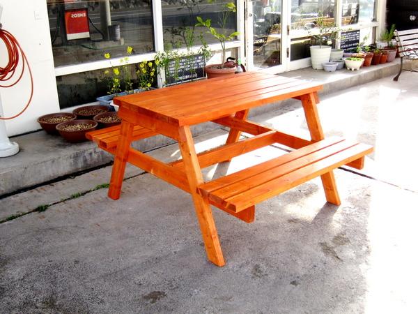2013年04月08日(月)・・・ベンチテーブル、裏庭へ