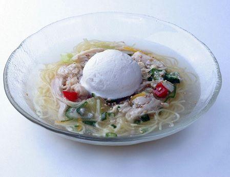 鶏白湯麺アイスのせ